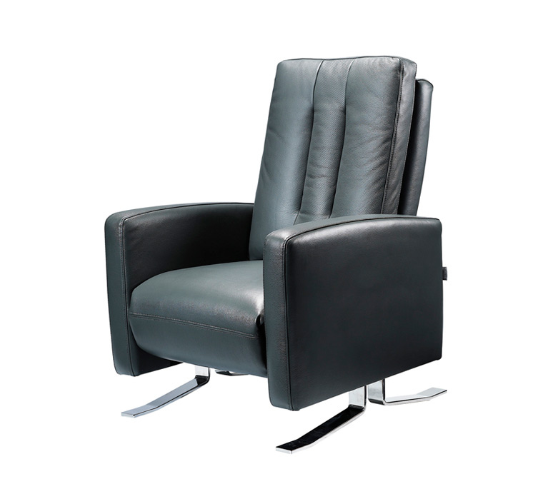 preci-recliner-leather-chair-midnight-black